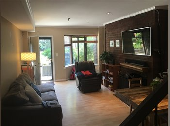 1 room available for rent in a 2 br/1,5 bath Georgetown