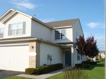 EasyRoommate US - Room available in a nice end-unit townhome, Osseo - $600 /mo
