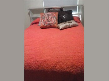 EasyRoommate US - Quiet room for rent for a considerate, respectful lady, Hope Mills - $450 /mo