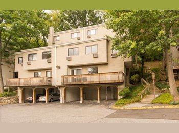 EasyRoommate US - 1 bdrm 3 min walking distance to metro north station , Westchester - $750 /mo