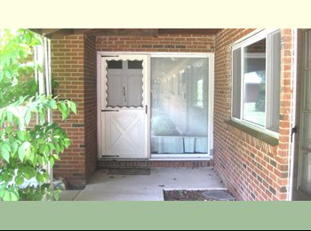 EasyRoommate US - CHESHIRE QUINNIPIAC ROOM FURNISHED APARTMENT-GREAT LOCATION! :), Cheshire - $575 /mo