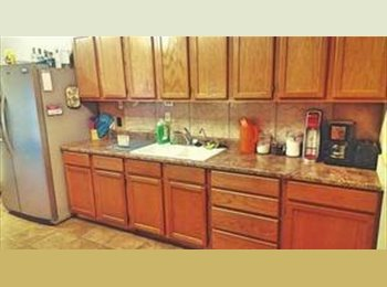 EasyRoommate US - 1800 sqft house 1 br available. , Lubbock - $550 /mo