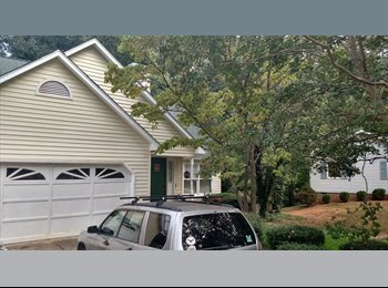 EasyRoommate US - Nice suburban residence, Greenville - $750 /mo