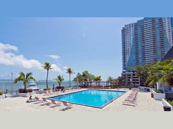 Room for rent in Brickell Ave