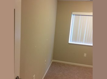 1 room for rent! 750$