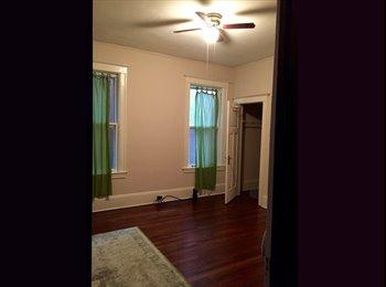EasyRoommate US - $550 Master Bedroom in West Village, Detroit - $550 /mo