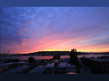 EasyRoommate US - Fully Furnished Eastlake Union Bedroom Available - AMAZING VIEW, Seattle - $1,295 /mo