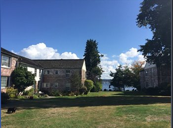 Cute apt by lake available Oct. 1