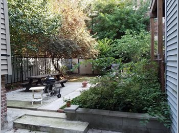 3 bedroom, 3 min from path, private backyard