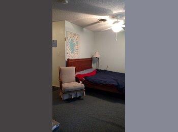 EasyRoommate US - Large bedroom w/private bathroom, Ingram Hills - $550 /mo