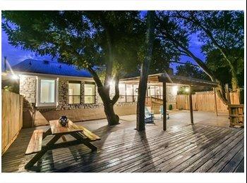 EasyRoommate US - Amazing house -backs up to Walnut Creek , Austin - $600 /mo
