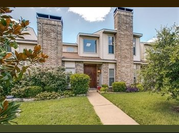 Townhouse in Old East Dallas, Very Close to Baylor