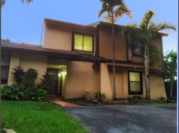 EasyRoommate US - Furnished Private Room All Inclusive with free wife and free laundry, Miami - $900 /mo