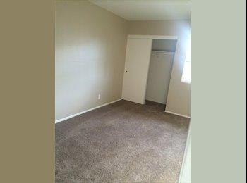 EasyRoommate US - Room for rent with private bath , Ventura - Santa Barbara - $800 /mo