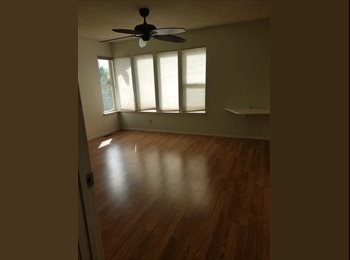 Looking for an awesome Roommate