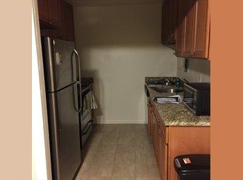 Bedroom available in 2bdrm/2 bathroom (rosemont plaza)