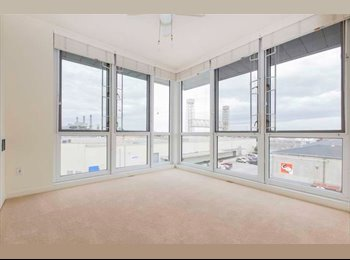 Room available in AMAZING condo in up and coming...