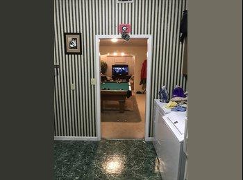 1/4br Virginia Highlands Room