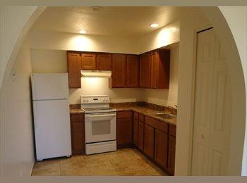 EasyRoommate US - WONDERFUL 2BEDROOM FOR RENT, Camelback East Village - $500 /mo