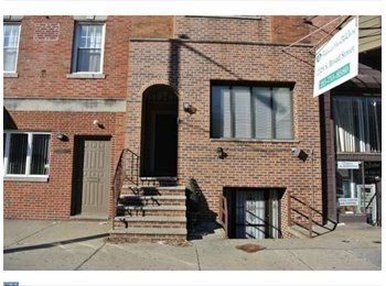 EasyRoommate US -   2528 S Broad St - Roof Top Deck, Comcast Cable & Wi-Fi included, Lower Moyamensing - $950 /mo