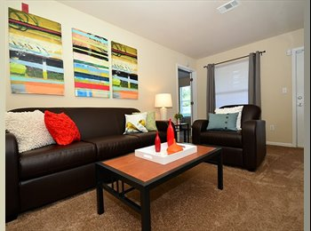 UNIVERSITY OAKS APART - Take over Lease - 1st Month Free. -...