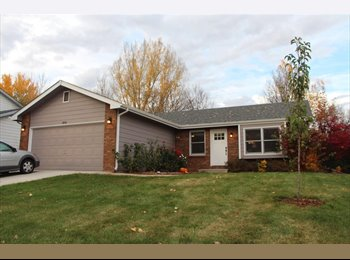 EasyRoommate US - 2 Bedrooms available in large, furnished, 4 bedroom house, Fort Collins - $475 /mo
