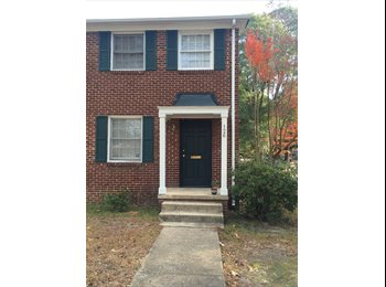 Sublet on Pickens St. for Spring Semester