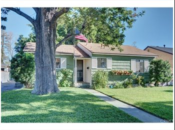 2 Rooms for rent in Whittier house!