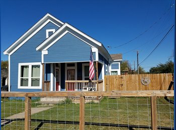 EasyRoommate US - The Cute Blue Newly Renovated Home in Beacon Hill!, Woodlawn Lake - $800 /mo