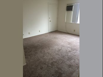 EasyRoommate US - $700 own separate entrance, ac unit, month to month , Pacific Beach - $700 /mo