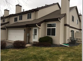 Roommate wanted to share Townhouse in Shoreview