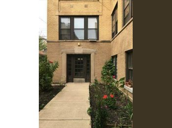 Cozy 1 Bedroom Available in Logan Square/Avondale area