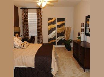 Very nice 2x2 apartment w/ garage, balcony, fireplace.