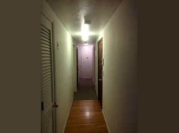 EasyRoommate US - Subletting my roon, Hyde Square - $950 /mo