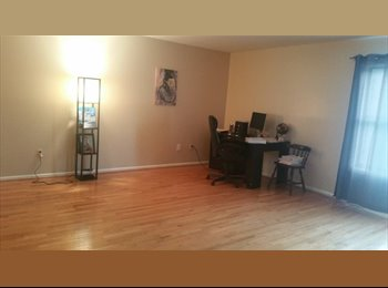 EasyRoommate US - $900 Spacious Room in Oversized Duplex Condo (North Bergen) , West New York - $900 /mo
