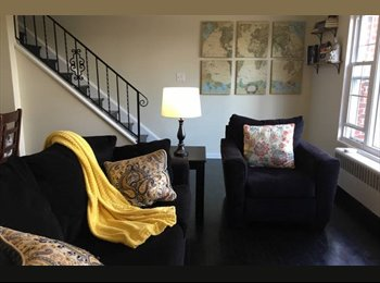 Great Room in the Heart of Del Ray!