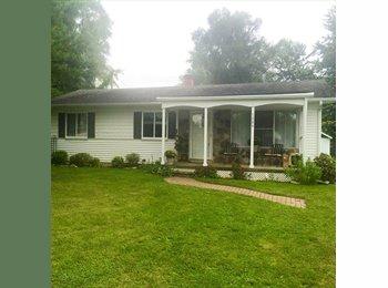 EasyRoommate US - Cute rural house on half acre!, Ypsilanti - $700 /mo