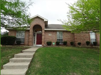 EasyRoommate US - Fully Furnished Room for Rent in Home, Cedar Hill - $600 /mo