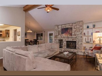 North Austin room 800 ABP with PHENOMENAL backyard