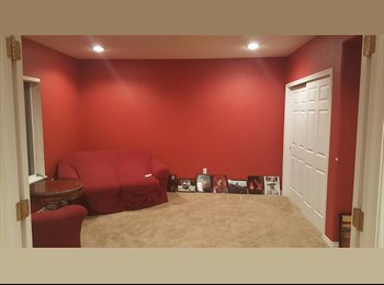 Furnished or unfurnished rooms in SE Centennial