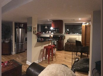 EasyRoommate US - awesome 3 bed condo with private bathroom available., Edgewater - $875 /mo