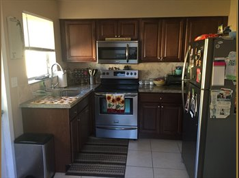 Roommate wanted in cozy Ft. Lauderdale duplex