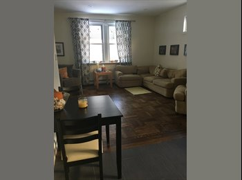 Looking for a Roommate April 1!