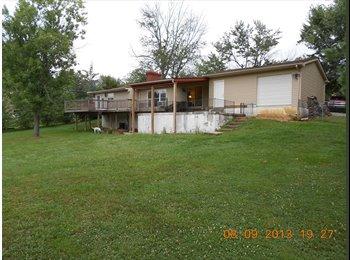 EasyRoommate US - Charlestown Indiana (20 minutes to Louisville), Cherokee Gardens - $450 /mo