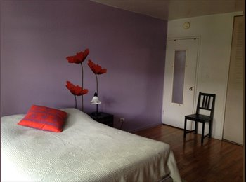 Furnished room in adorable apartment near the train