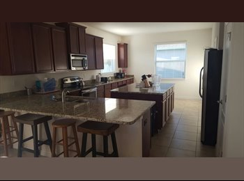 EasyRoommate US - Private room with a bathroom , University - $750 /mo