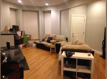 1 room available in a 2bd apartment in Andersonville