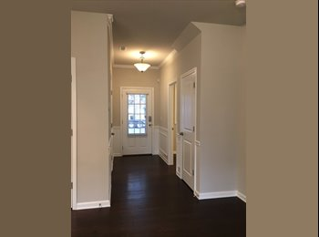 Brand new house in Doraville - spacious room with bathroom