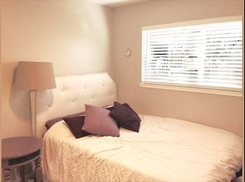 $1425 Room for Rent in LARGE 2 Bedroom-Mile from Lake, Btwn...