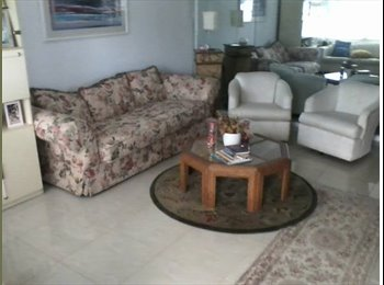 Beautiful 2 bedroom condo in Century Village Boca 55+